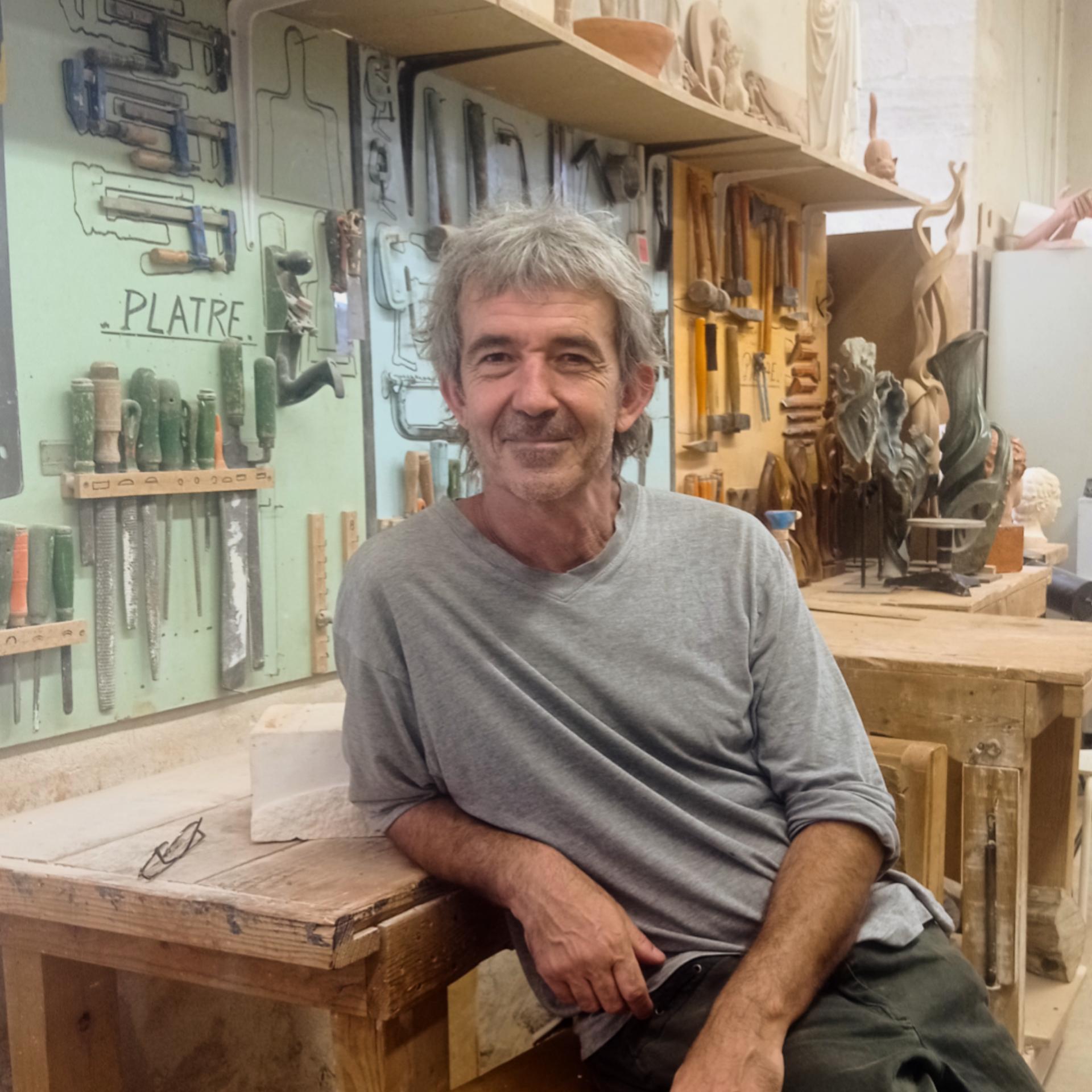 Philippe Zuberbuhler formateur en modelage, sculpture, moulage et Histoire de l'Art à l'Académie des Arts d'Avignon