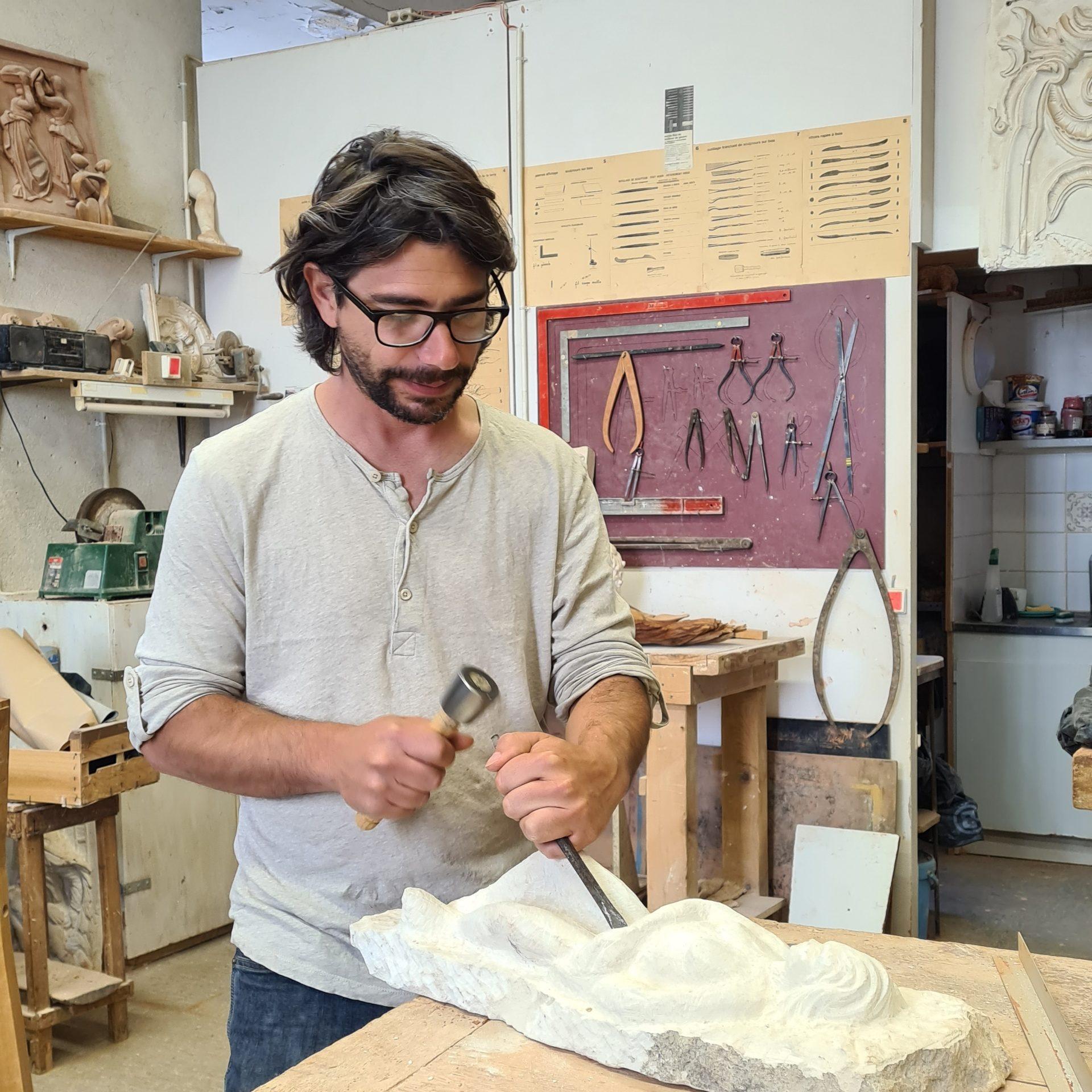Romain Trichet formateur en modelage, sculpture et moulage à l'Académie des Arts d'Avignon
