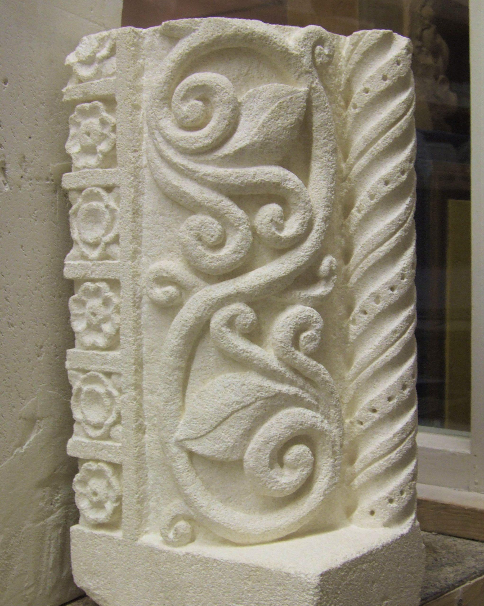 Base de colonne Romane 11ème siècle