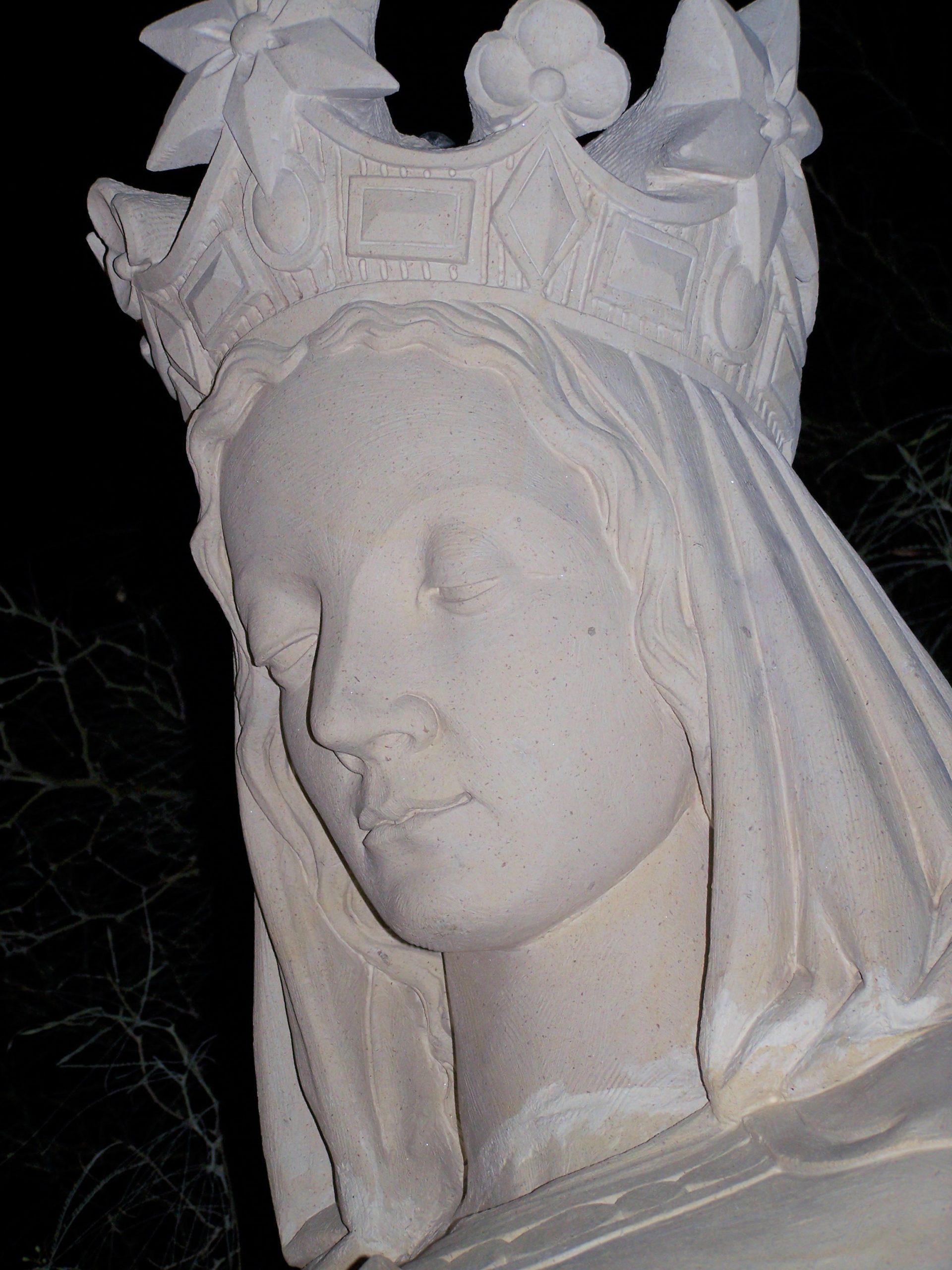 Statue en pierre Vierge d'Alger de Notre-Dame d'Afrique