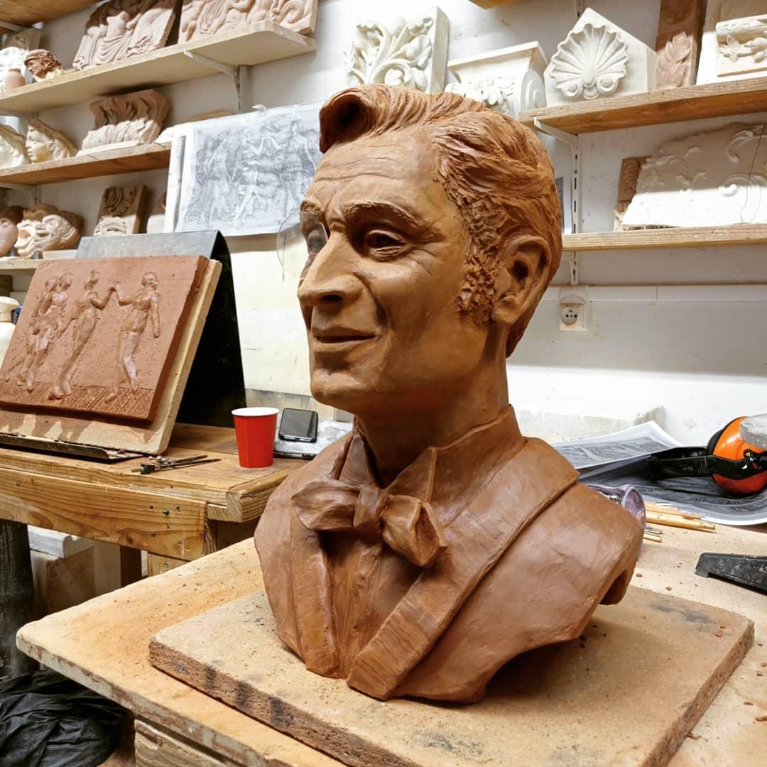 Création d'après photo d'un buste de Georges Descrières en Arsène Lupin