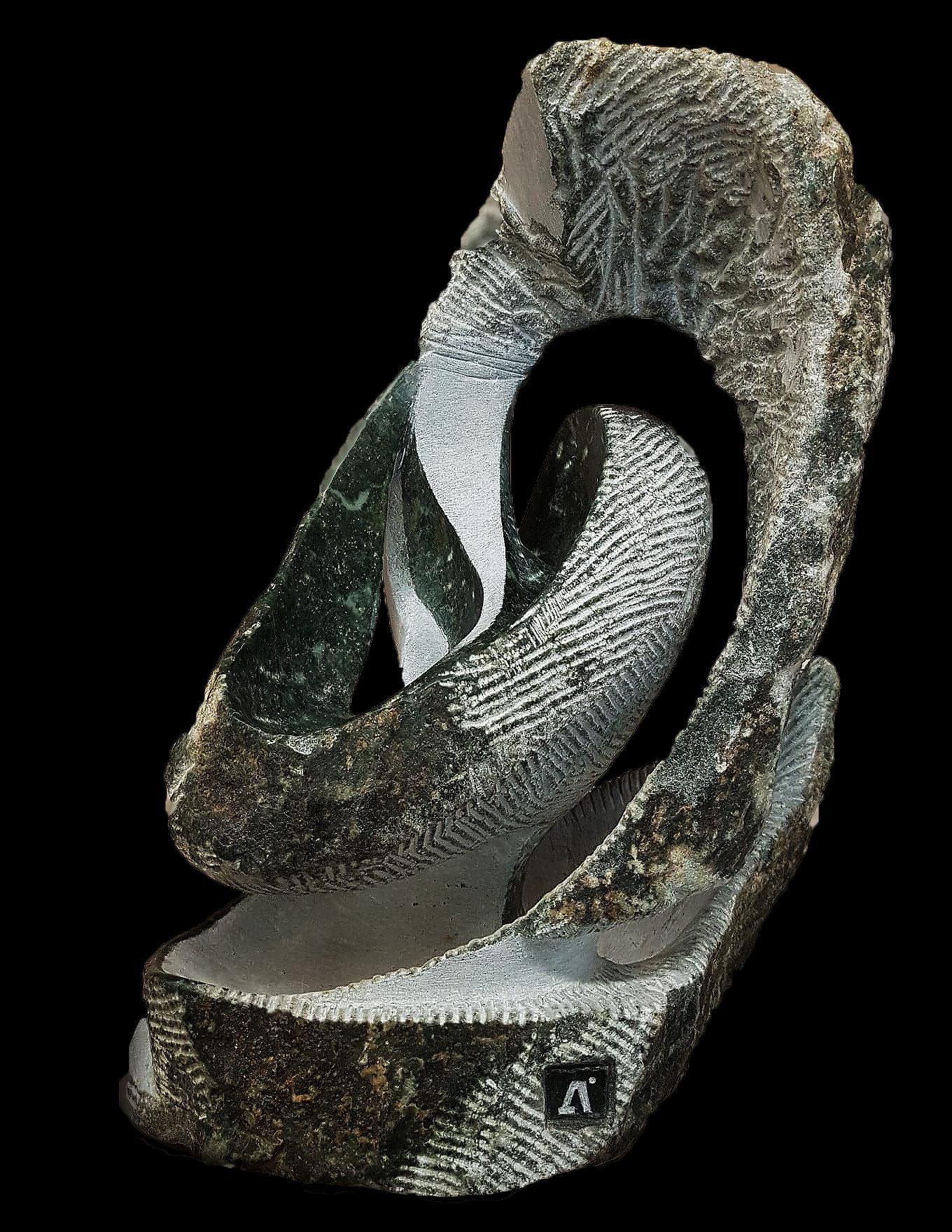 Sculpture sur pierre abstraite