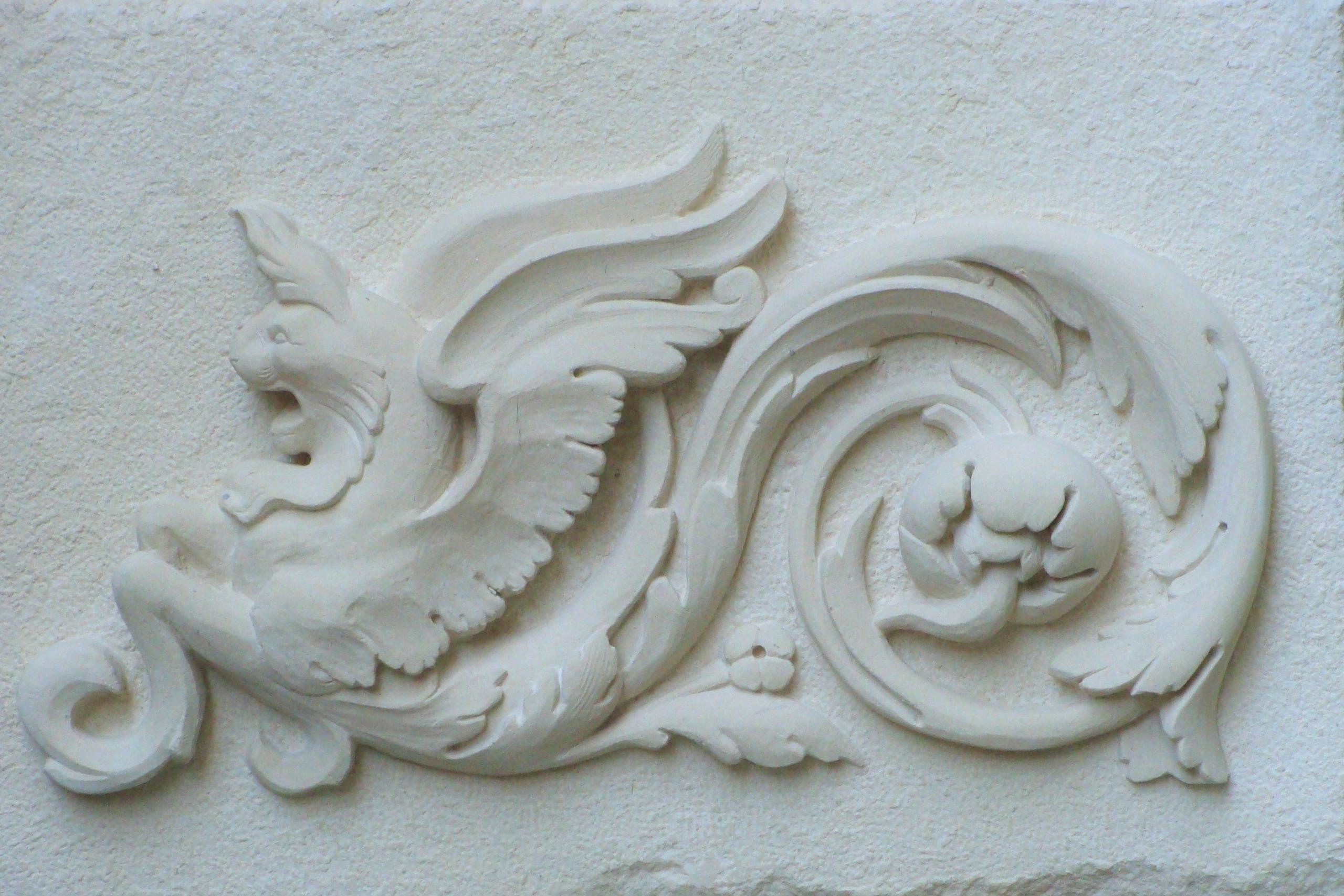 Bas-relief en pierre Renaissance italienne attribué à Michel-Ange
