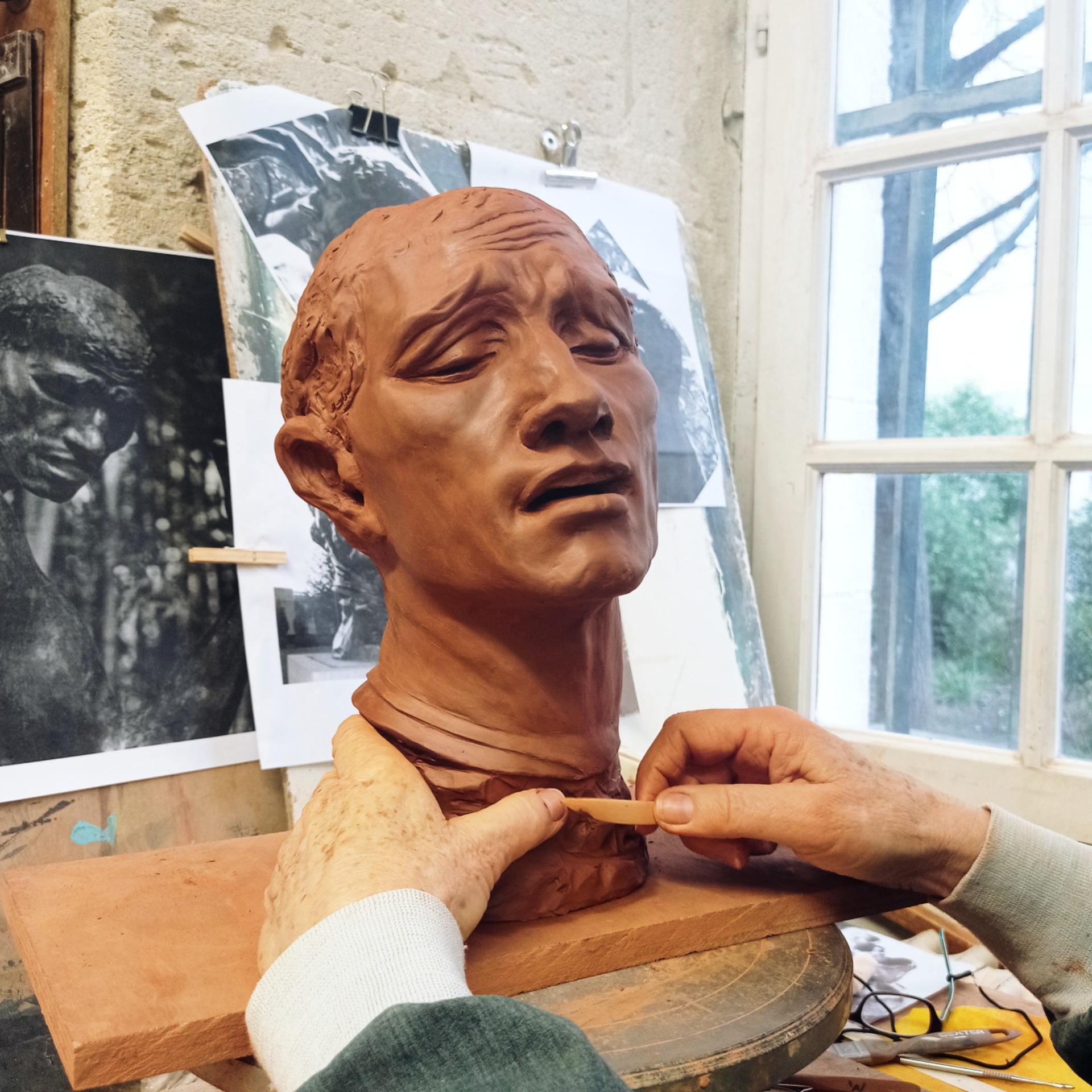 Copie en argile d'après photo de la statue de Pierre de Wissant par Rodin